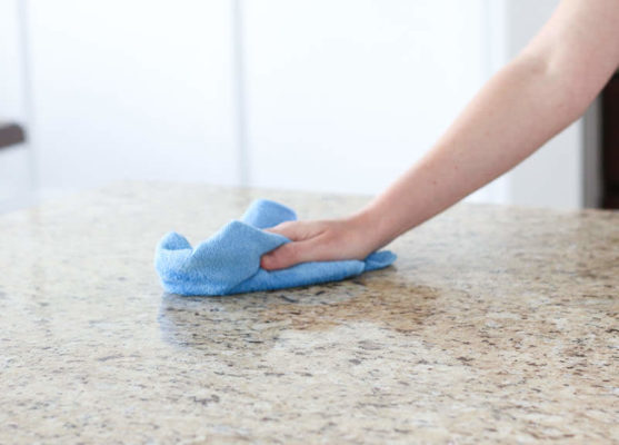 wiping-quartz-countertops-bf2862 cleaning