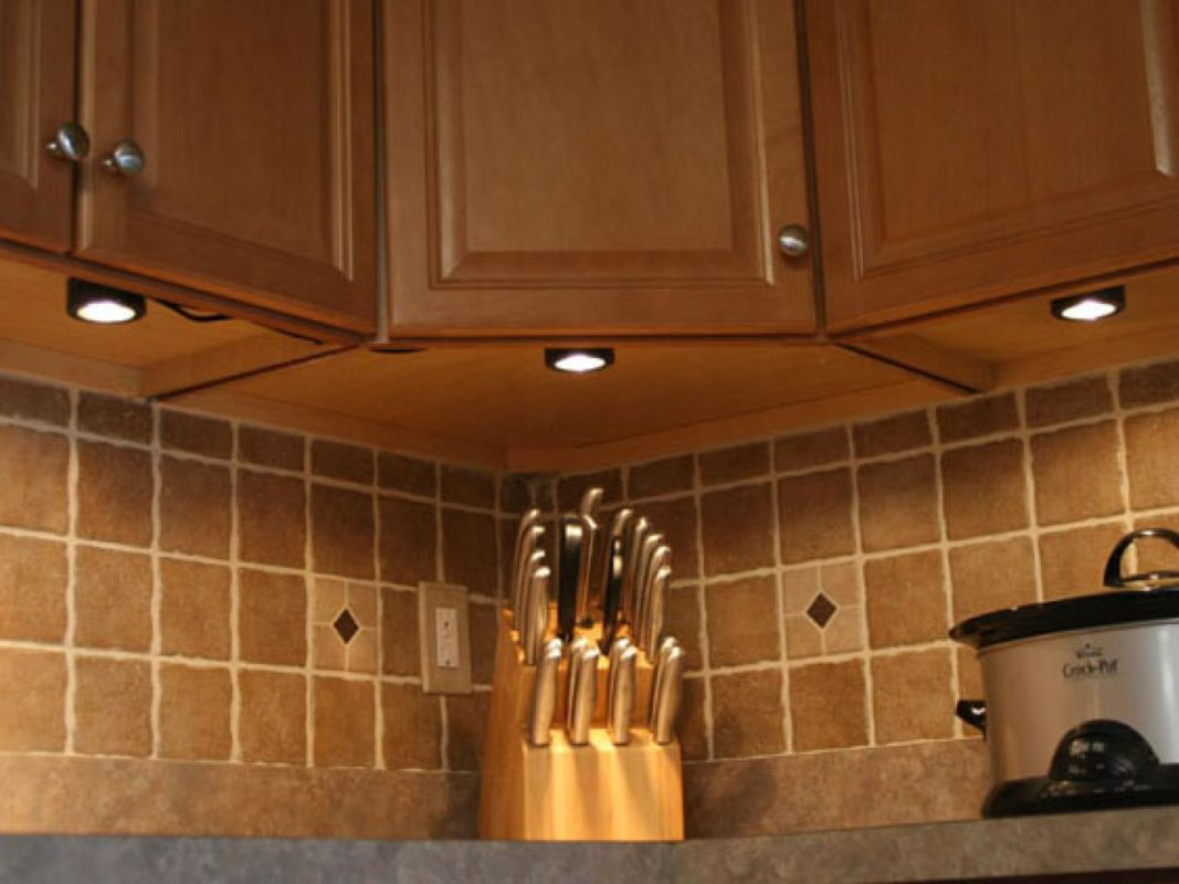 under cabinetry led lighting tile backplash quartz countertops